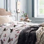 Bedroom decor with a Spring feeling