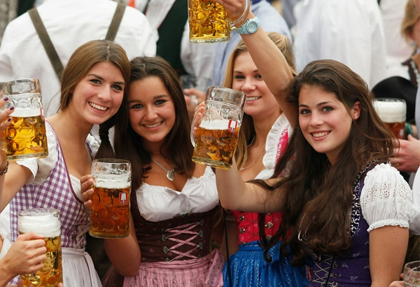 austrian-national-dress-girls