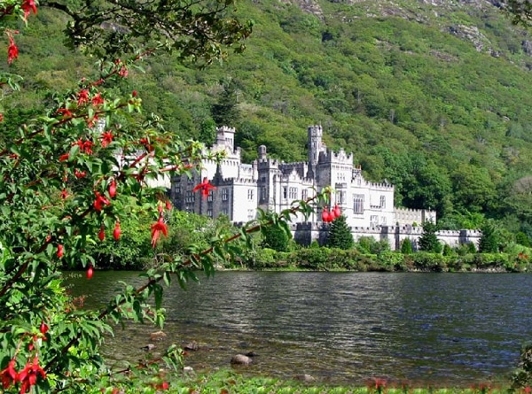 13 ireland castle lake