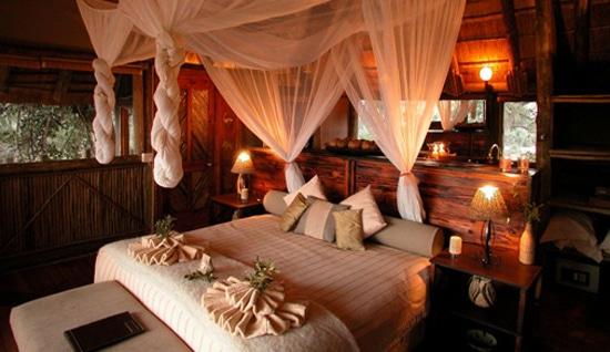 Luxury-accommodation-(Wilderness-Safaris)
