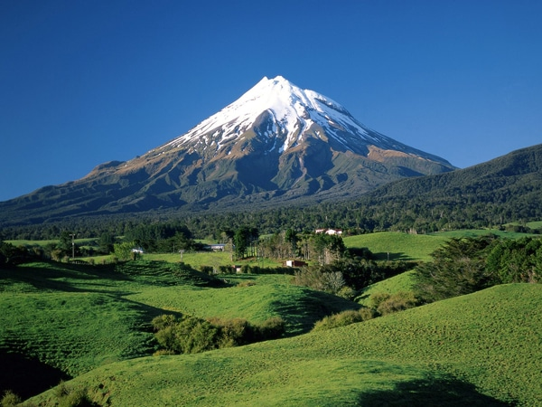 The last Samurai was filmed here - Mt.Taranaki