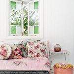 Floral bohemian decor: Get the style